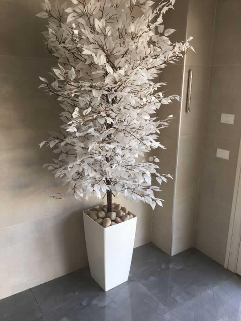 עציץ מלאכותי לבן