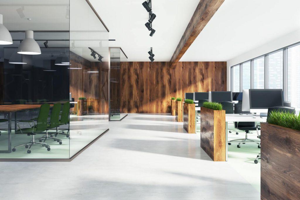 משרד עם צמחיה מלאכותית