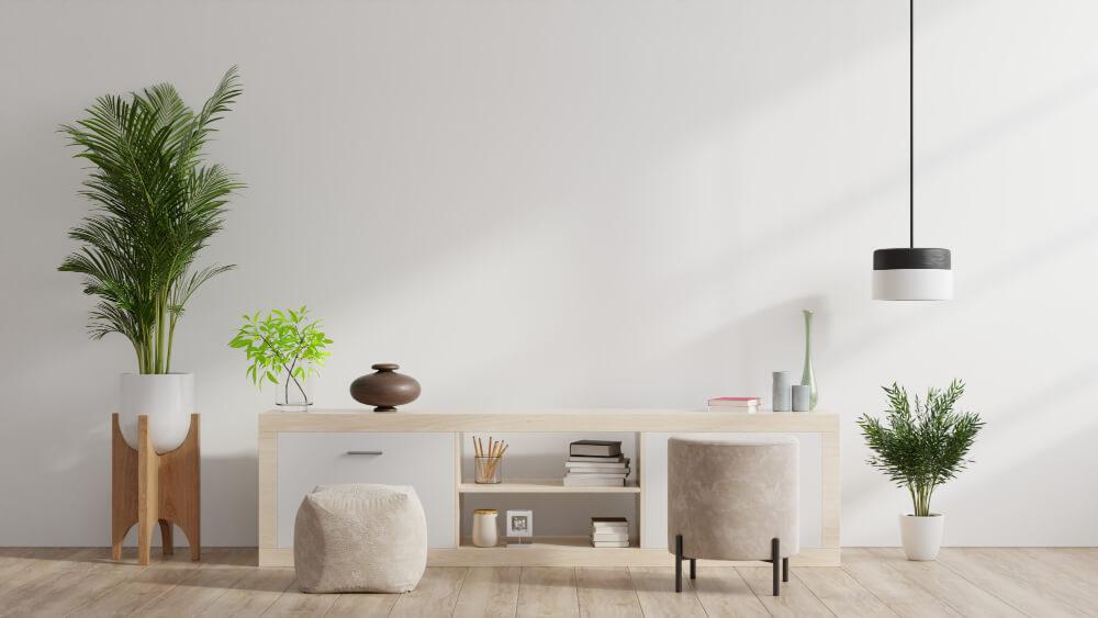צמחייה מלאכותית בדירה מעוצבת